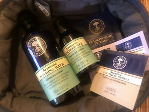 Neals yard Aromatic Foaming Bath & Shower Gel Gift With Samples