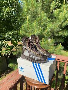 US size 7.5 Adidas Jeremy Scott GLADIATOR Sandals JS Wings V22819 LAS VEGAS SHOW