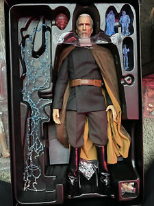 Hot Toys Star Wars Episode II Attack of The Clones Count Dooku