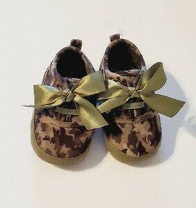 Stuart Weitzman Baby Girl Bow Shoe Green Camo Hard Sole US Size 2-3/3-6m NWOT