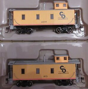 Two Roundhouse Chesapeake & Ohio (C&O) 3-Window Standard Wood Cabooses A249 A15