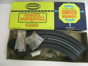 """AURORA Model Motoring HO Scale Boxed 9"""" Curved Track & Pins (6pc)"""