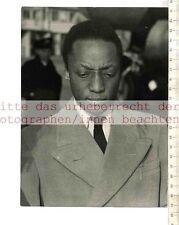 ORIGINAL PRESSEFOTO:1953 BABAKA of BUGANDA ARRIVES FROM KAMPALA in LONDON AIRPOR