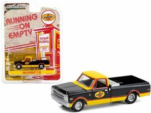 """1:64 1968 Chevrolet C-10 Pickup Truck with Toolbox """"Pennzoil"""" -- Greenlight"""
