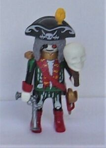 Playmobil Pirates   Ghost Pirates Leader  White Skull   Mint Condition