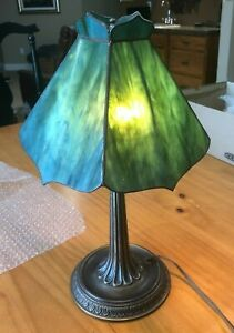 Hand Crafted Stained Glass Table Lamp Green w/ Bronze Finish VERY NICE