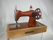 Alte Nähmaschine Kinderspielzeug aus USSR Vintage retro АРТ 4059 БЛ rot