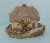 Lilliput Lane Clover Cottage