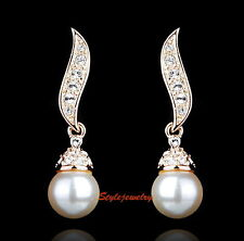 Rose Gold Plated White Pearl Dangle Earring Made With Swarovski Crystal XE119
