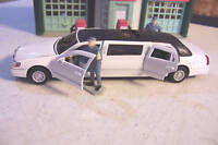 New Approximately O Scale White 1999 Lincoln Town Car Stretch Limousine