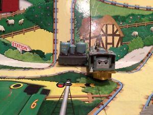 thomas the tank engine trackmaster trains Lexi