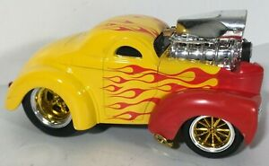 Maisto Muscle Machines 1941 Willys 1:24 Yellow Red Flames Diecast