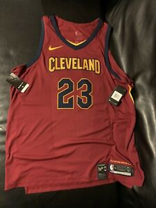 Authentic Nike Cleveland Cavaliers LeBron James Jersey Size 56 2XL 863018-677