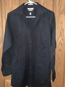 VanHeusen Classic Fit Mens Button Up Shirt Size 14 1/2 32/33
