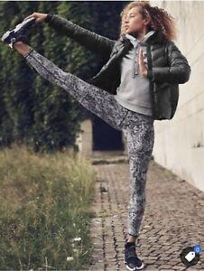 Athleta Elation Graffiti Fleur 7/8 Tight Leggings Large