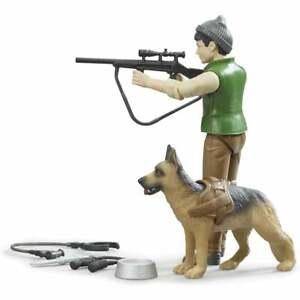 Bruder - Forest Ranger with Dog and Equipment   1:16 62660  UK Seller