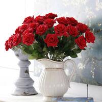 Decorazione creativa di bouquet di seta finta con fiori finti artificiali