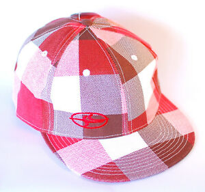 NEW FLAT BRIMMED FITTED CAPS ONE SIZE 2 COLOURS Great Quality with Tags