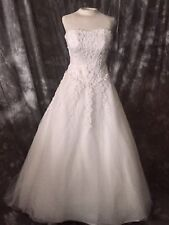WEDDING GOWN Sz 6 W/ REMOVABLE TRAIN BUSTLE So Gorgeous. Includes. Full Slip