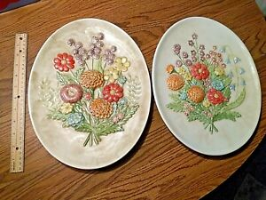 old VINTAGE SET of 2 ceramic wall hanging Plates, colorful FLOWERS, ODD! SEE PIC