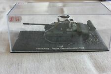 N°87 VÉHICULE MILITAIRE T 55 A PRAGUE ( czechoslavakia ) 1968