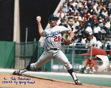 MIKE MARSHALL LOS ANGELES DODGERS  1974 NL CY YOUNG AWARD  ACTION SIGNED 8X10