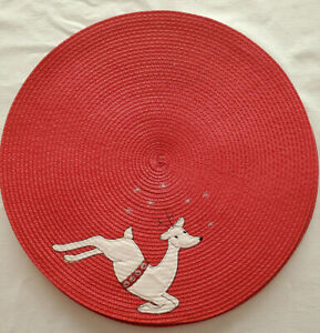 """Set of 7 Vintage Christmas Placemats 14.5"""" Round Red Woven White Reindeer Stars"""