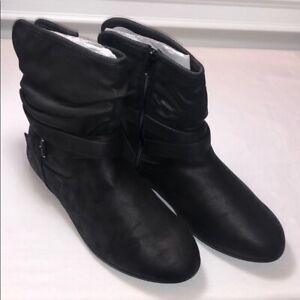 Catherine's Good Soles Women's Black Booties / Ankle Boots (12W) Great Condition