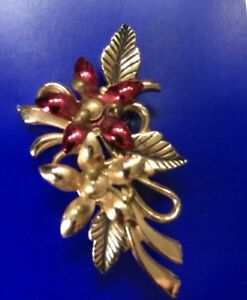 Vintage Brooch Of A Bunch Of Red & Gold Flowers Christmas Kitsch