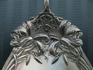 DURGIN NEW ART Berry SERVING Spoon 1900 STERLING SILVER Easter LILY NO MONO