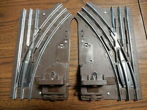 VINTAGE LIONEL LEFT AND RIGHT HAND TURNOUT SWITCHES 027 GAUGE 3 RAIL