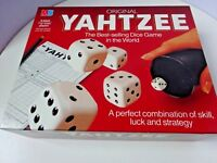 ORIGINAL YAHTZEE -  VINTAGE -  1982  - DICE GAME BY MB GAMES