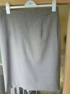 Ladies Banana Republic Skirt Size 12 Stretch Grey NEW