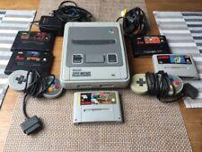 Super Nintendo SNES mit Mortal Kombat , Doom , Mario World , Street Fighter 2