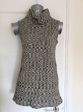 Dorothy Perkins Size 14 Sleeveless Chevron Roll Neck Top