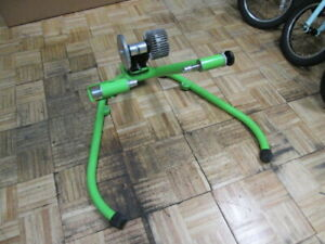 Kurt Kinetic Rock and Roll SMART Indoor Bicycle Fluid Trainer Model T-016