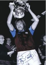 West Ham Billy Bonds Celebrates 1975 FA Cup Final Win Copy Auto POSTER