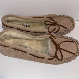 Minnetonka Slippers Moccasin Women's Size 8 Light Brown Leather Upper Lined
