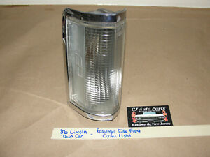 86 Lincoln Town Car RIGHT SIDE FRONT CORNER TURN SIGNAL PARK LIGHT LENS BEZEL