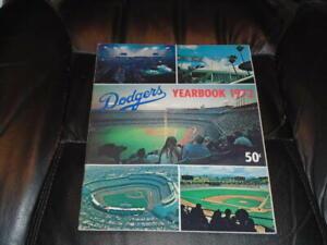 1972 LOS ANGELES DODGERS BASEBALL YEARBOOK EX-MINT PLUS