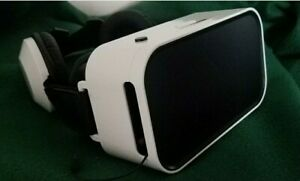 SHARPER IMAGE VIRTUAL REALITY HEADSET WITH EARPHONES
