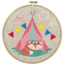 VERVACO  0155355  Petit renard sous la tente  Broderie  Point de Croix  Compté