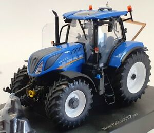 Universal Hobbies 1/32 Scale Model Tractor UH4893 - 2015 New Holland T7.225