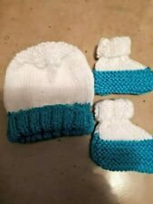 PREMATURE HANDKNITTED  SET HAT & BOOTS  WHITE&AQUA