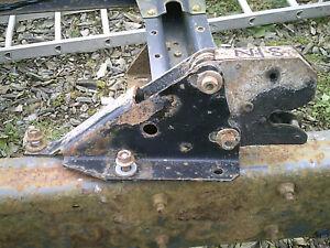 N/S (left hand) Cab Lock C/w Bracket Fits Renault Midlum (42AEA10)