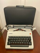 Vtg 1970's Working OLYMPIA SM9 Deluxe Wide Carriage Portable Typewriter & Case