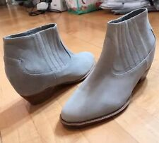 New! Hidden Wedge 80%20 Ankle Cowboy Boots Size 9 Pale Light Gray Suede Flawless