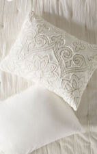 Nwt Set 2 Anthropologie Appliqued Maison White Standard Queen Shams Embroidered