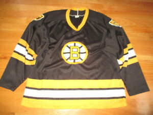 Vintage CCM BOSTON BRUINS Replica (Men's XL) Jersey w Stitched BRUINS EMBLEM