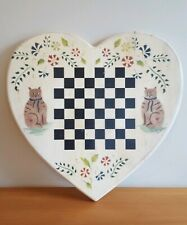 PRIMITIVE COUNTRY FOLK ART WOOD HEART CAT CHECKERBOARD PLAQUE SIGN WALL HANGING